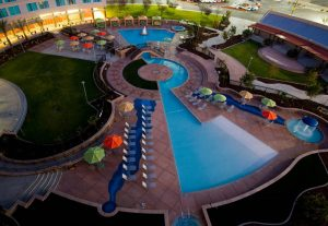 An overhead shot of the Tachi Palace hotel's outdoor pool in Lemoore, California